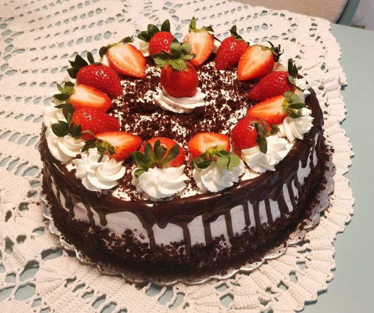 Шоколадова торта с маскарпоне и плодове
